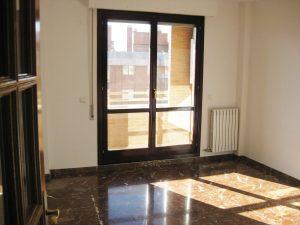 piso-alquiler-2-dormitorios-salon-cocina-barra-americana-actur-zaragoza